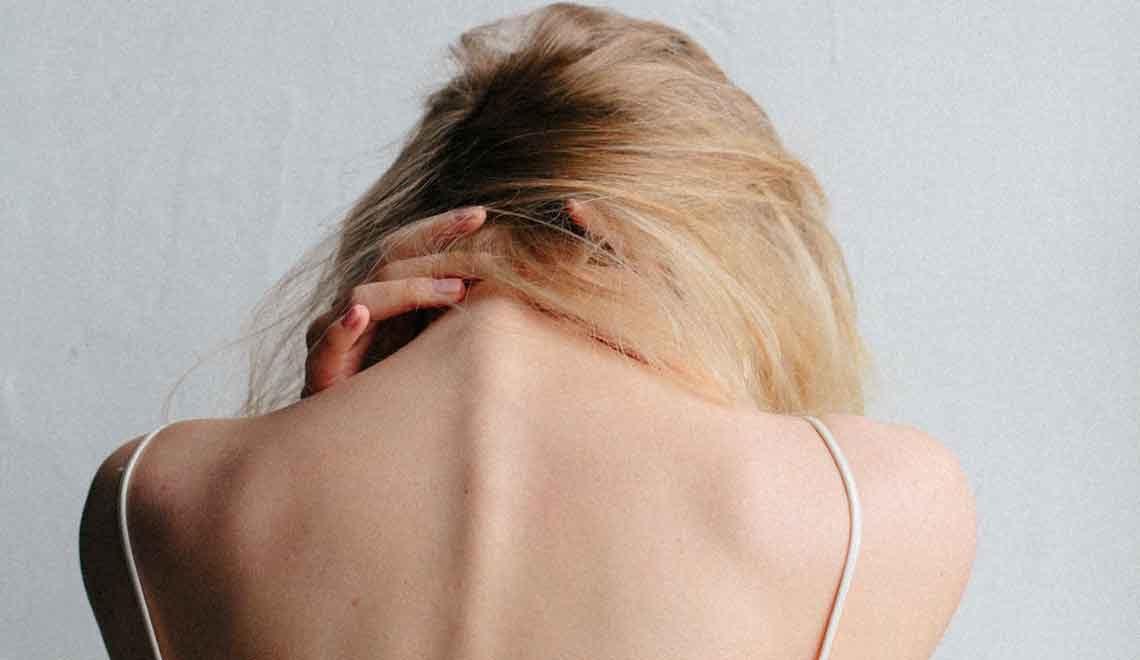 Come curare la cervicale: sintomi e farmaci